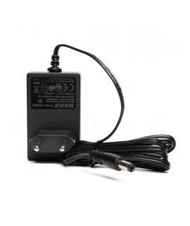 Netzadapter für das Powerex C9000-Ladegerät